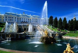 10 places to see in the suburbs of Saint Petersburg, Russia : Peterhof Petergof